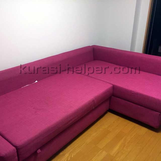 組み立てが完了したIKEAのソファー