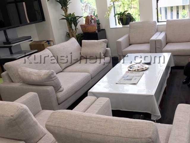 応接室のテーブルとソファー