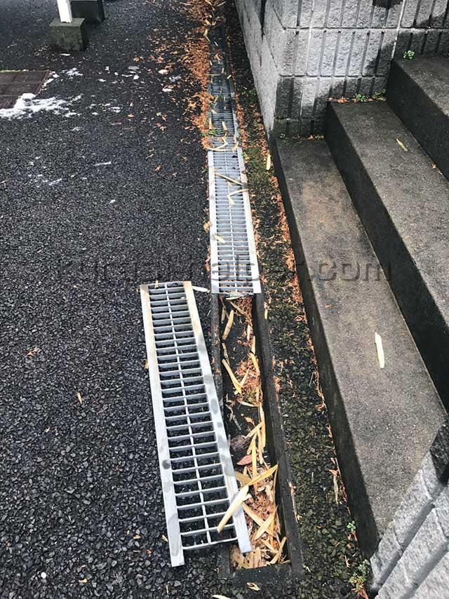 アパート周辺の側溝の確認