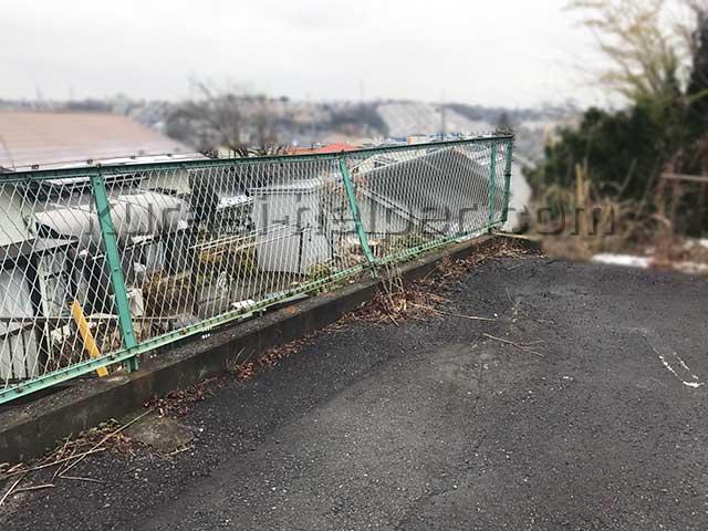 アパート駐車場のフェンスの確認