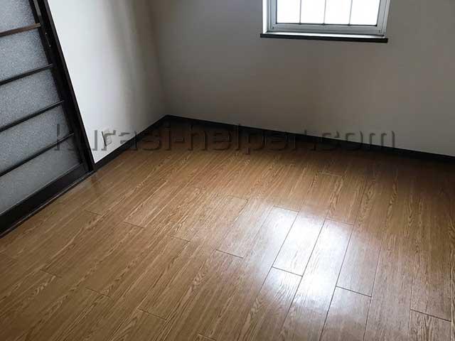 アパート空き室の床